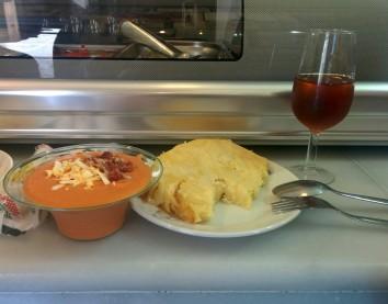Salmorejo y tortilla
